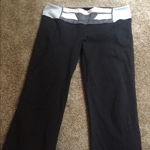 Lululemon size 12 crop, w some damage and pilling